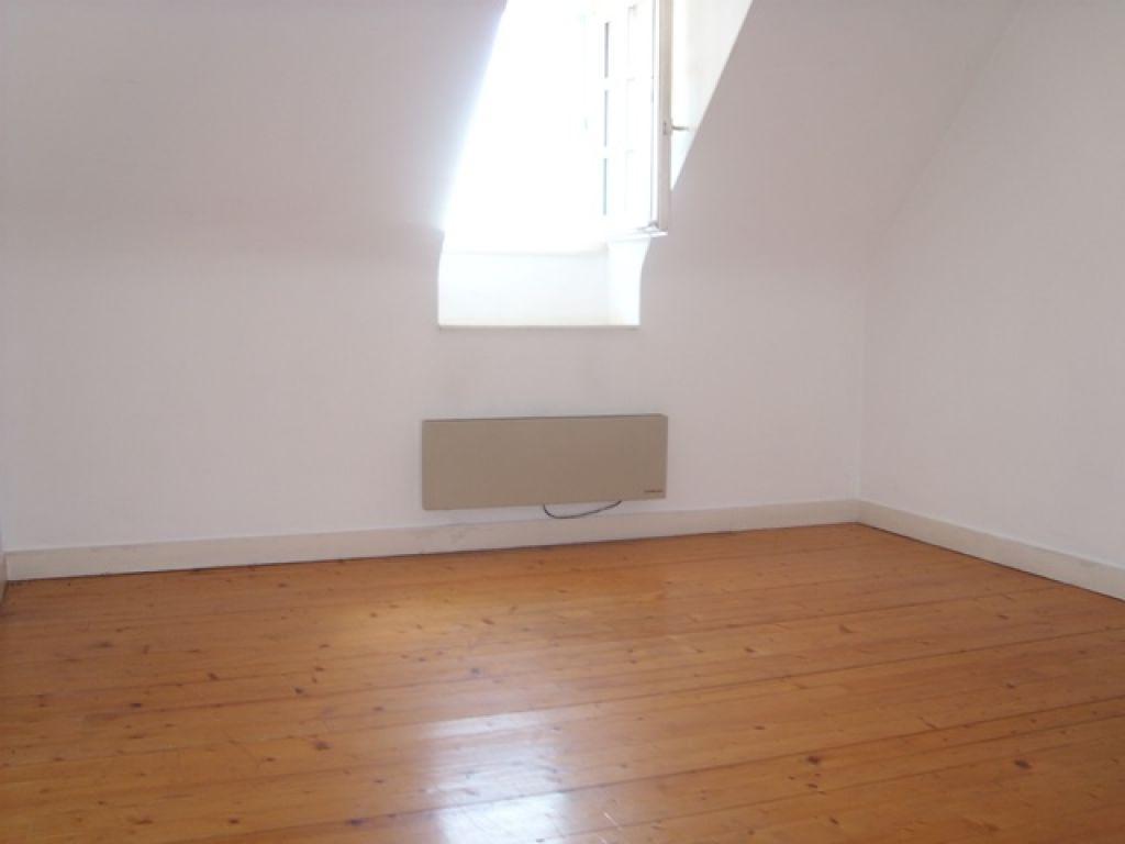 A louer appartement 56 m quimper cailliau le garo for Appartement atypique quimper