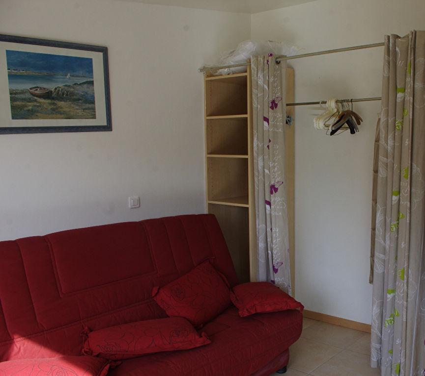 a louer appartement 26 m pont l abbe cailliau le garo immobilier. Black Bedroom Furniture Sets. Home Design Ideas