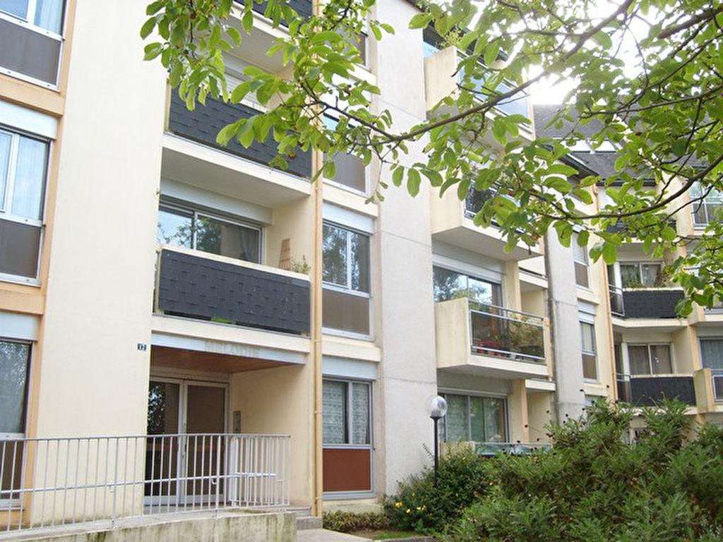 A vendre appartement 34 m quimper cailliau le garo for Appartement atypique quimper